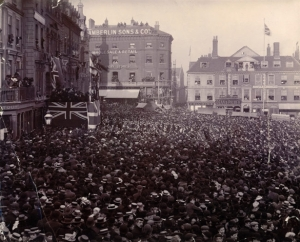 Guildhall Hill, Norwich 1901 when Edward VII was proclaimed King. Chamberlins is visable in the background, notice the people sitting on the roof!